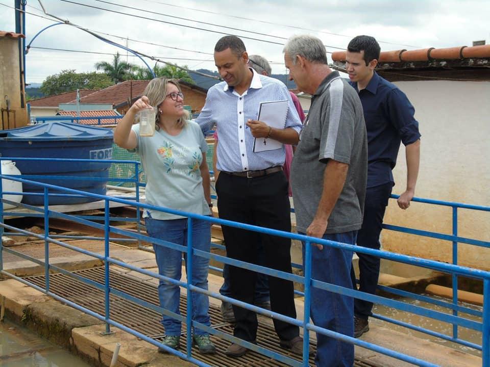 A Prefeitura Municipal busca soluções para a coloração da água em Tambaú