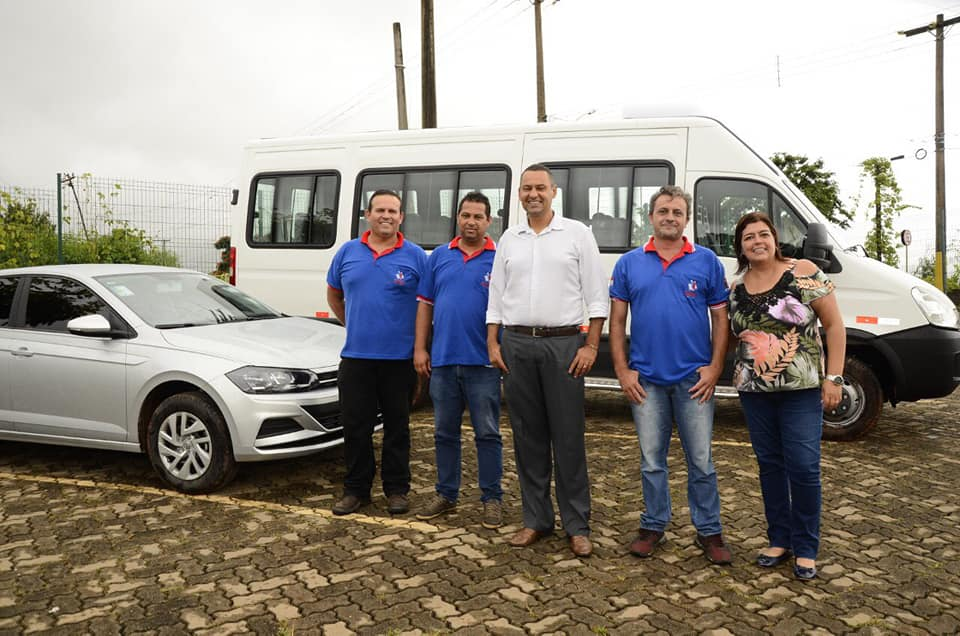 Tambaú recebe mais 2 novos veículos
